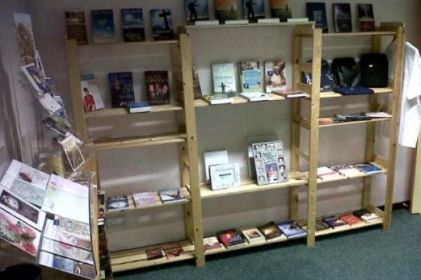 lrg-287-bookstore3